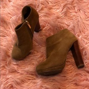 Shoes - 5 heeled booties